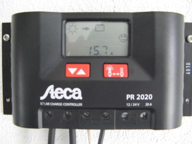125Wパネル2枚並列で15Aとフル発電中