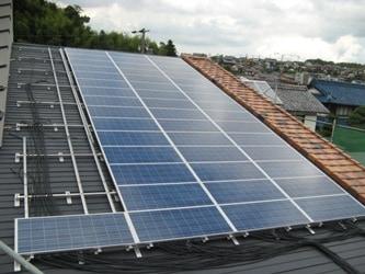 太陽光パネル設置工事中