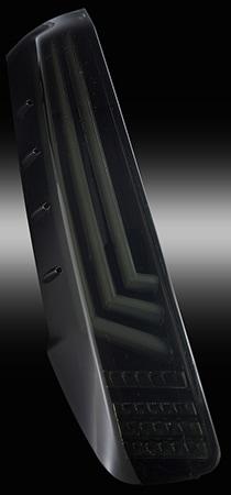 80系ノア/ヴォクシー/エスクァイア用 LEDテールランプREVO ライトスモーク/ブラッククローム