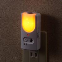 monban LEDフットライト 明暗センサー 停電対策多機能ライト コンセント式_LS-AS3A4-W 07-8210