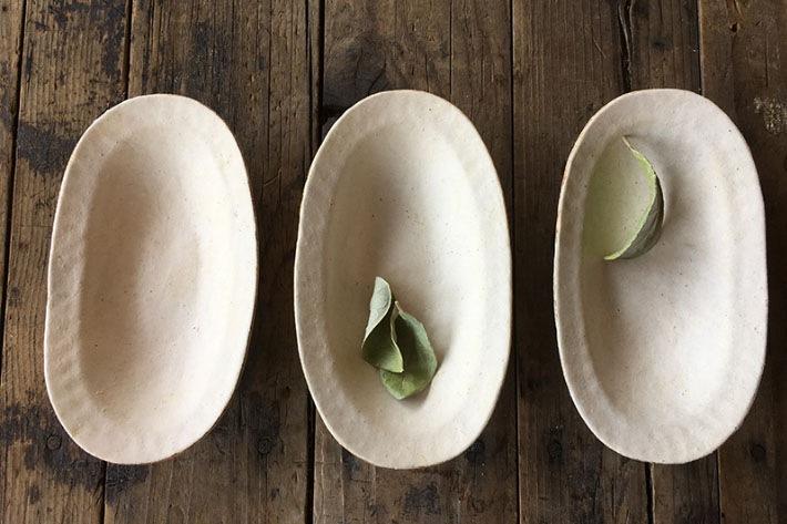[高田かえ] Takada kae 白土のオーバル小皿
