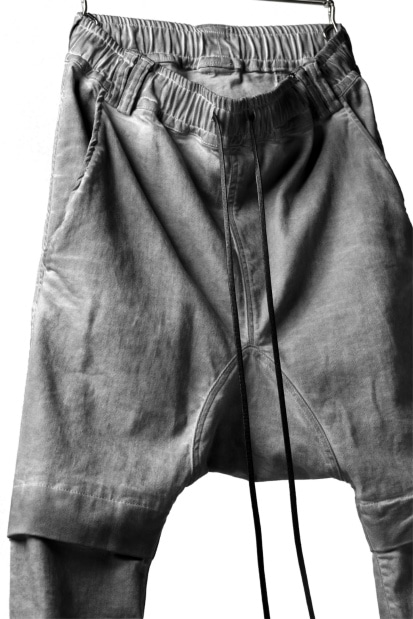 A.F ARTEFACT LOWCROTCH JOGGER PANTS / DENIM COLD DYE (GREY)
