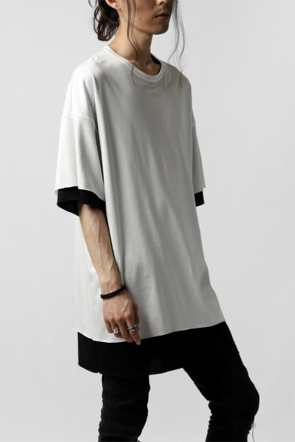 A.F ARTEFACT exclusive OVER SIZED LAYERED TEE (WHITE x BLACK)