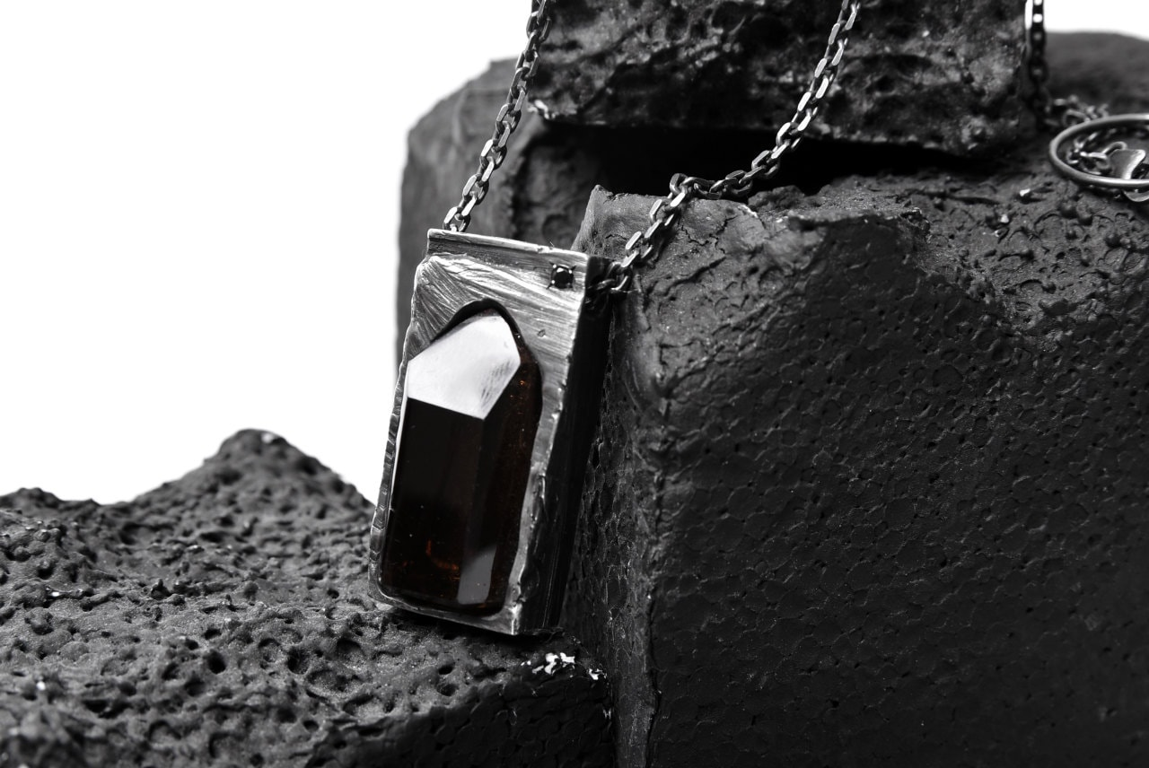 GASPARD HEX Quartz Inclusion Pendant XL with Black Diamond