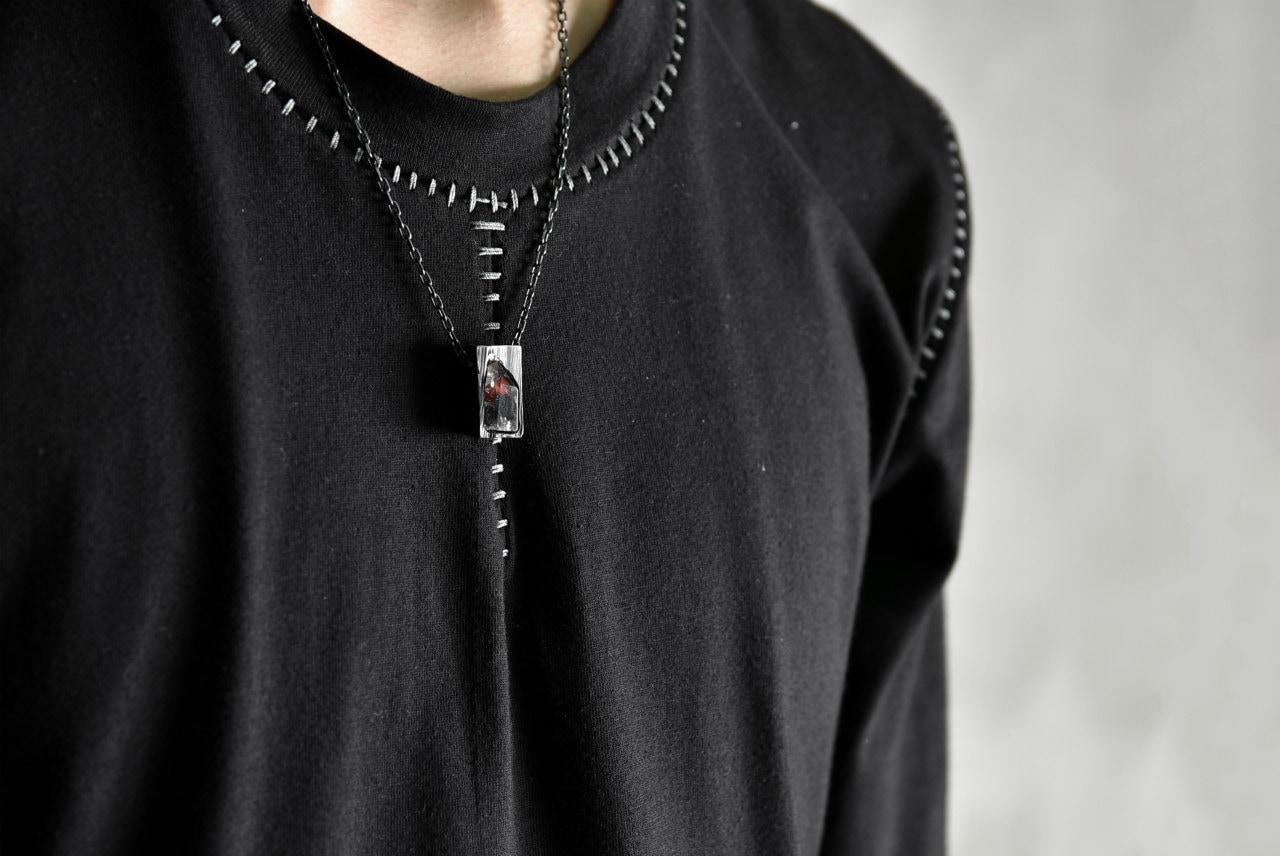 ギャスパーヘックスのハンドメイドジュエリーの着用写真 / LOOM OSAKA