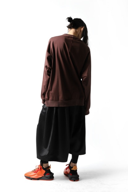 JOE CHIA OVERSIZED HUG SWEAT TOPS