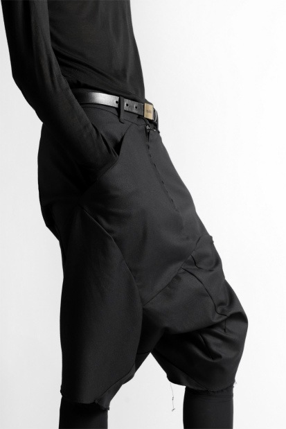 LEON EMANUEL BLANCK DISTORTION DROP CROTCH SHORTS / STRETCH COTTON