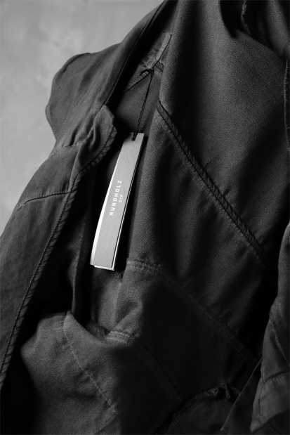 RUNDHOLZ DIP COVERED FRONT MILITARY JACKET / carbon dyed