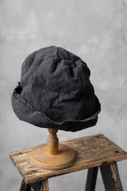 SOSNOVSKA WASHED CASHMERE HAT
