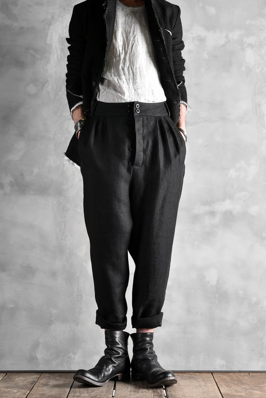 SOSNOVSKA SHORT LINEN PANTS
