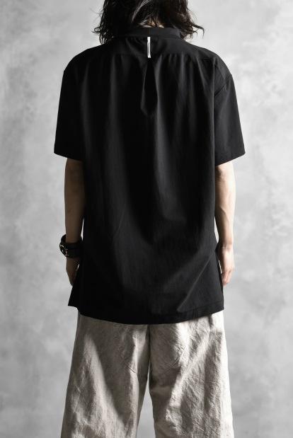 sus-sous mock-neck tops