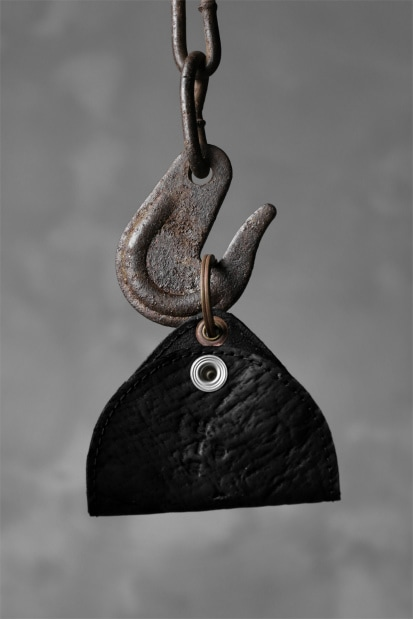 ierib triangler key holder / waxy JP horse butt