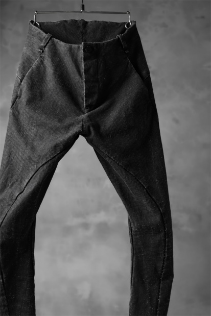 masnada  SCAR STITCHED SLIM CURVE PANT / WASHED RESIN-COAT