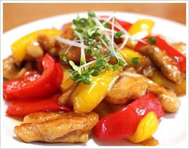 パプリカと鶏肉の甘酢炒め