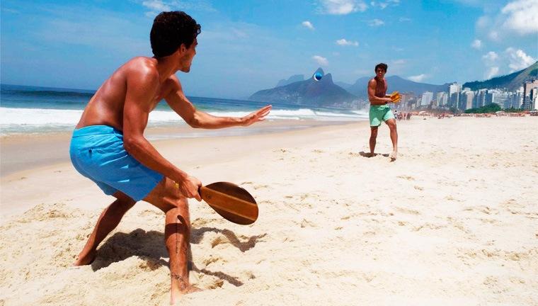 ブラジルのビーチでフレスコボール