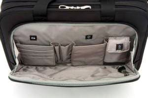 パスファインダー ビジネスバッグ 1段構成のフロントポケット