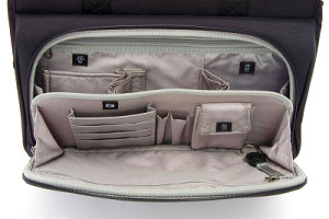 パスファインダー ビジネスバッグ 2段構成のフロントポケット