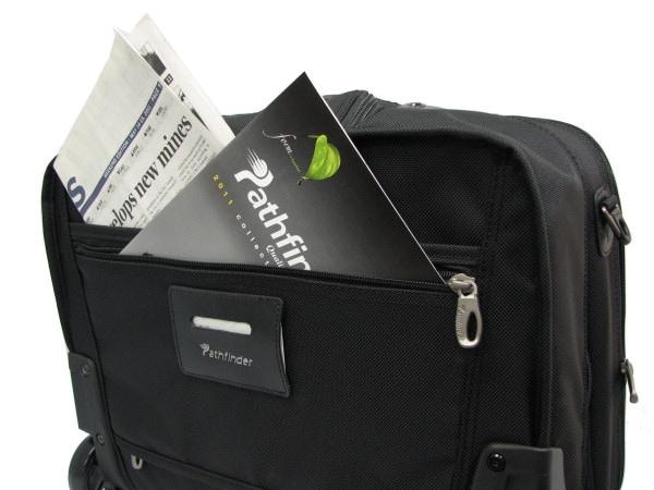 パスファインダー キャリーバッグ PF3877B バックポケット画像