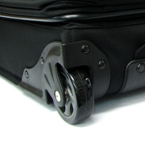 パスファインダー スーツケース PF3819DAX-ブラック(黒) カーゴストラップ差し込み口画像