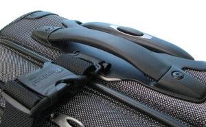 パスファインダー スーツケース カーゴストラップ装着時