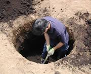 炭素埋設孔を掘削