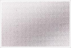 抗菌・防臭効果のある純銀の糸「ミューファン」が、表面に上品な輝きを与えます。