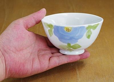 砥部焼き 茶碗 持ったところ