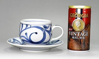 丸いコーヒーカップアンドソーサー