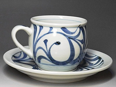 砥部焼、梅山窯のモーニングカップ