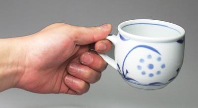 砥部焼のモーニングカップ