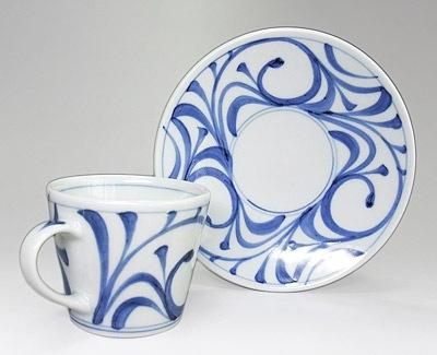 唐草文のコーヒーカップ
