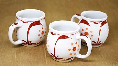 砥部焼き 梅山窯 樽マグカップ 赤太陽