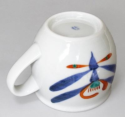 和食器、砥部焼の丸いマグカップ