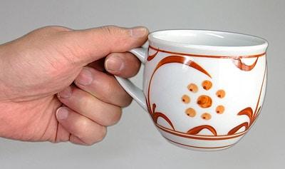 砥部焼 丸ミルクカップ 持ったところ