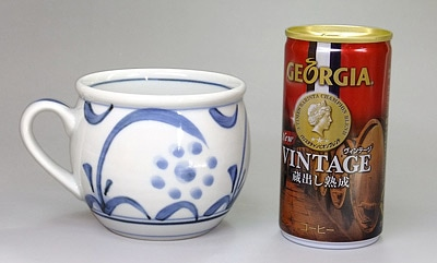 砥部焼 梅山窯 丸ミルクカップ 大きさ比較