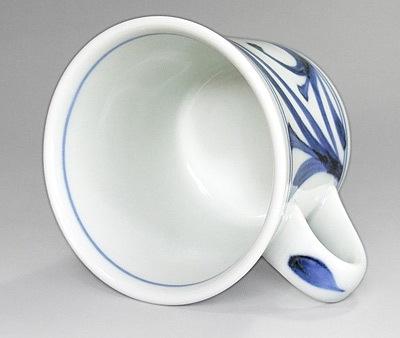 砥部焼 反りマグカップ