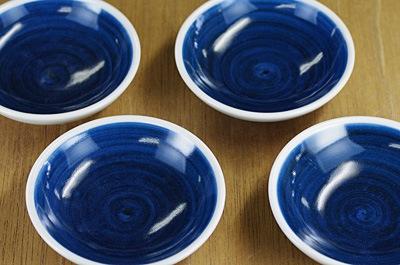 砥部焼き 梅山窯 3寸丸小皿 呉須巻