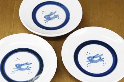 砥部焼き 梅山窯 4.6寸切立丸皿 うさぎ