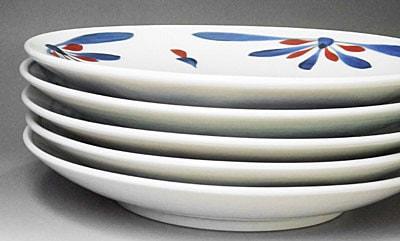 和食器、梅山窯の大皿、重ねたところ