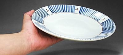 砥部焼、梅山窯の大皿、十草三つ文