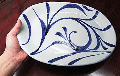 砥部焼、梅山窯の大皿
