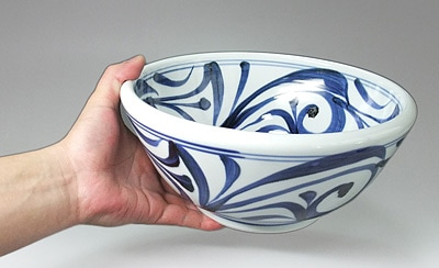 砥部焼 唐草文の大鉢