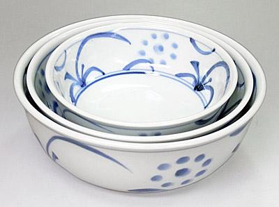 砥部焼の中鉢 大きさ違い