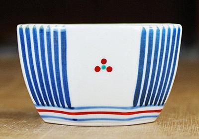 砥部焼き 小鉢 十草三つ文