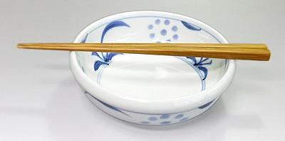 砥部焼 太陽文の玉縁鉢