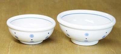 砥部焼き 梅山窯 5寸玉縁鉢 水玉