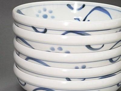 砥部焼の浅鉢、梅山窯