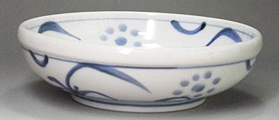 砥部焼、太陽文の浅鉢