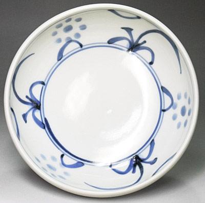 砥部焼、梅山窯の玉縁鉢、太陽文