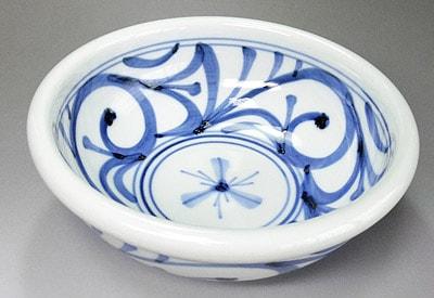 砥部焼の定番 唐草文玉縁鉢